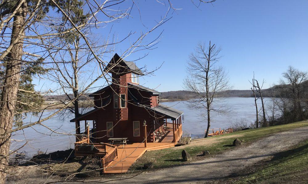 HomePage - Colucci River Cabins